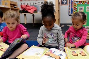 L'éducation et la prise en charge de la petite enfance : un objectif mondial