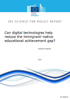 Can digital technologies help reduce the immigrant–native educational achievement gap?
